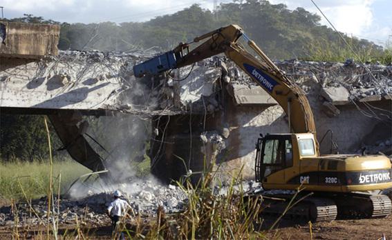 Estado de Minas - Gerais: Dnit começa demolição da ponte sobre o Rio das Velhas, na BR-381